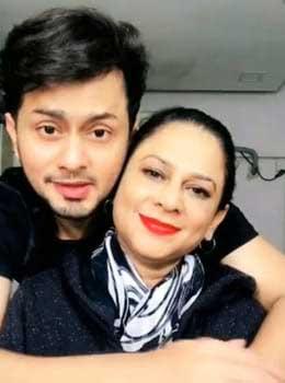 Awez-Darbar-Mother