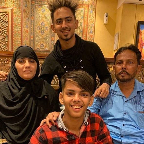 adnan-shaikh-family