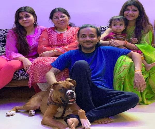 tanishk-bagchi-family
