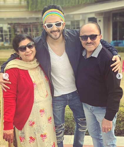 dheeraj-dhoopar-father-and-mother
