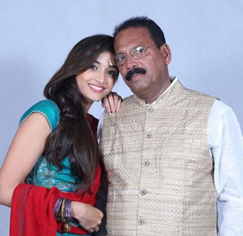 srinidhi-shetty-father