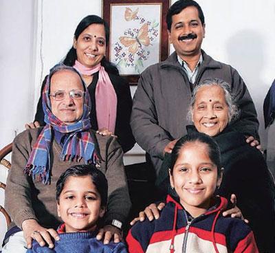 sunita-kejriwal-family