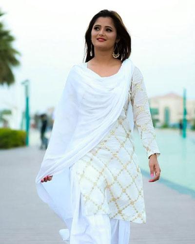 anjali-raghav-height