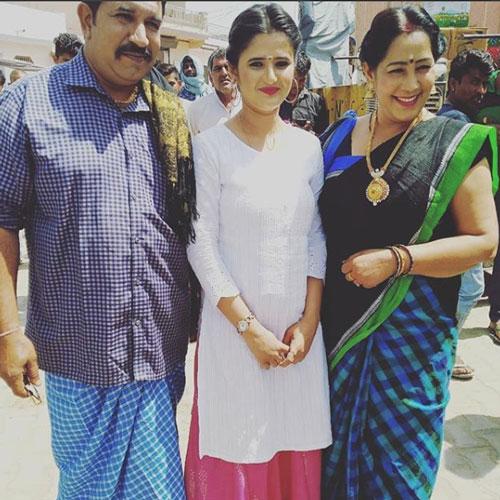 anjali-raghav-parents