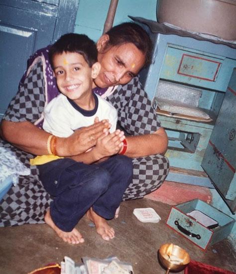 dhruv-rathee-mother
