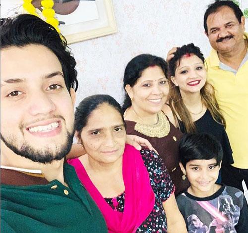 khushi-punjaban-family