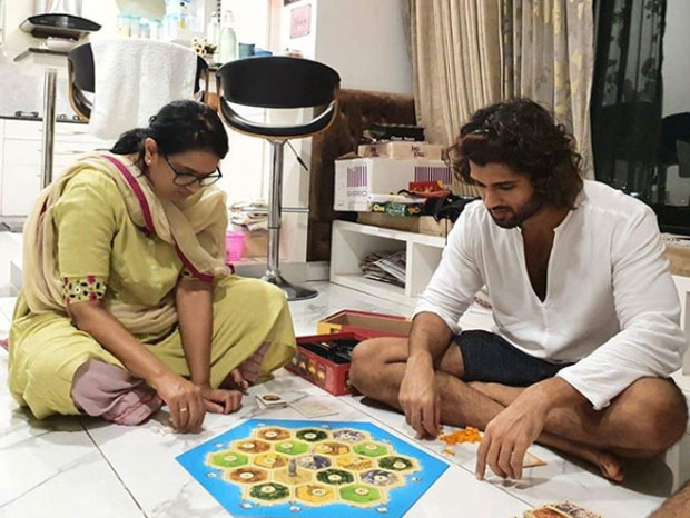 vijay-deverakonda-mother